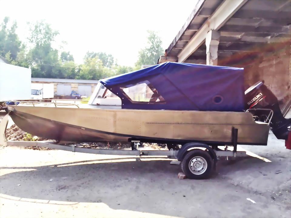 Пошив ходового тента на лодку в Новосибирске на заказ